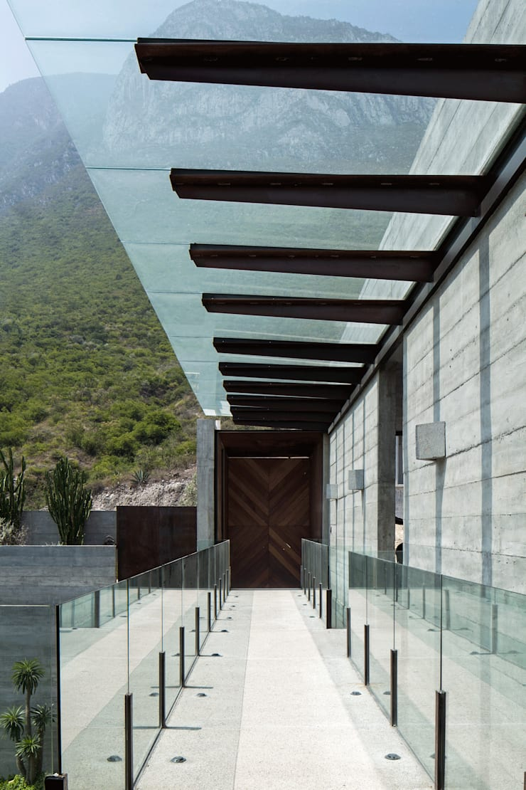 CASA CORDILLERA: Casas de estilo  por Landa Suberville