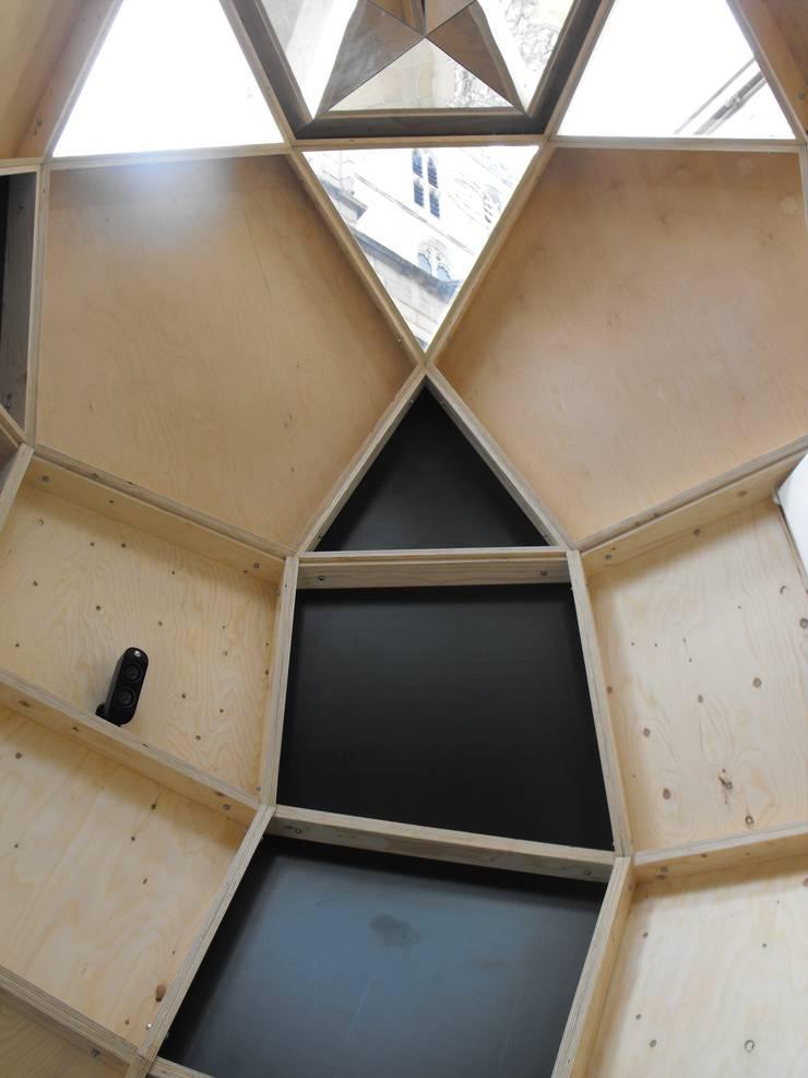 Pod interior:  Schools by OS31