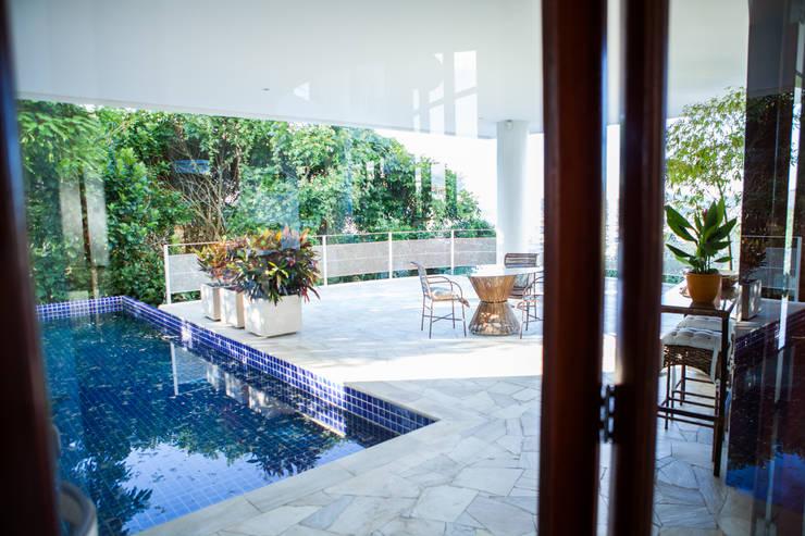 Pool by Mascarenhas Arquitetos Associados