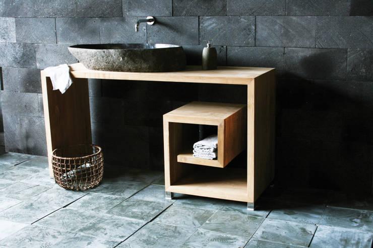 Salle de bain de style  par SPA Ambiente