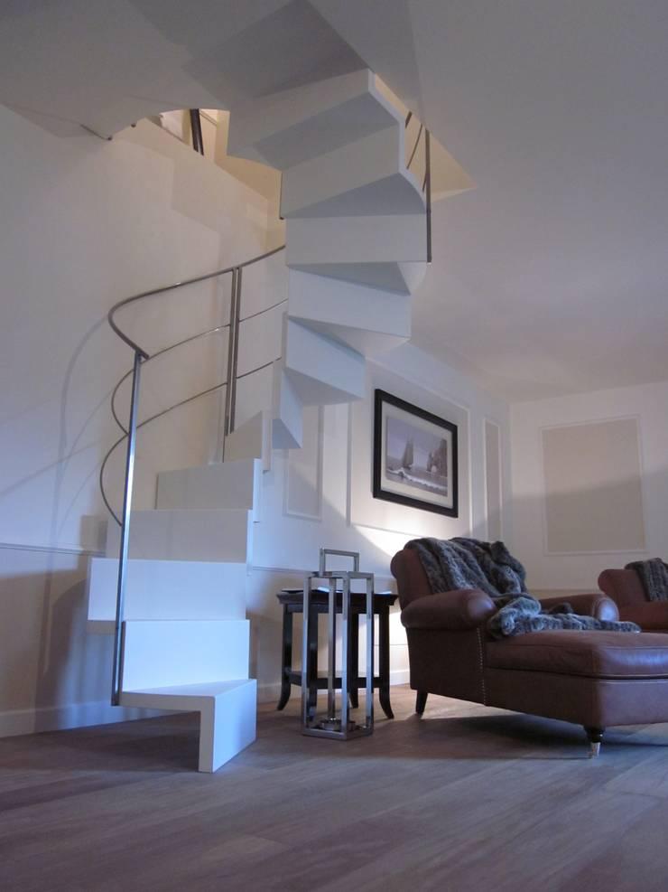 Residenza privata - Design : Betelli- Mabele Lab: Ingresso & Corridoio in stile  di MABELE by MA-Bo srl , Moderno