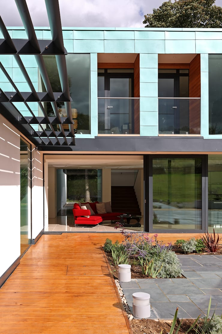 Stockgrove house:  Houses by Nicolas Tye Architects