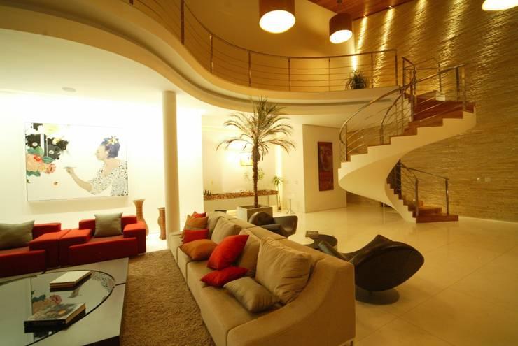 Residência AN: Corredores e halls de entrada  por Mascarenhas Arquitetos Associados