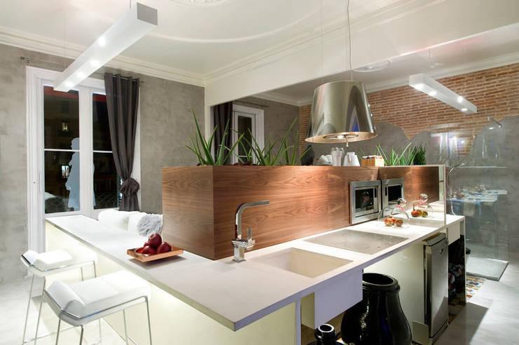 Suite Bates Motel. Espacio en CasaDecor Barcelona 2011 para Futurcret: Hoteles de estilo  de Egue y Seta