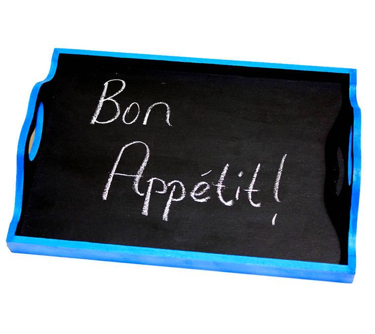 Pıneapple Inc. – Mavi Karatahta Tepsi: modern tarz Mutfak