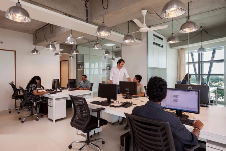 Mondeal Square - blocher partners:  Arbeitszimmer von blocher partners,Modern