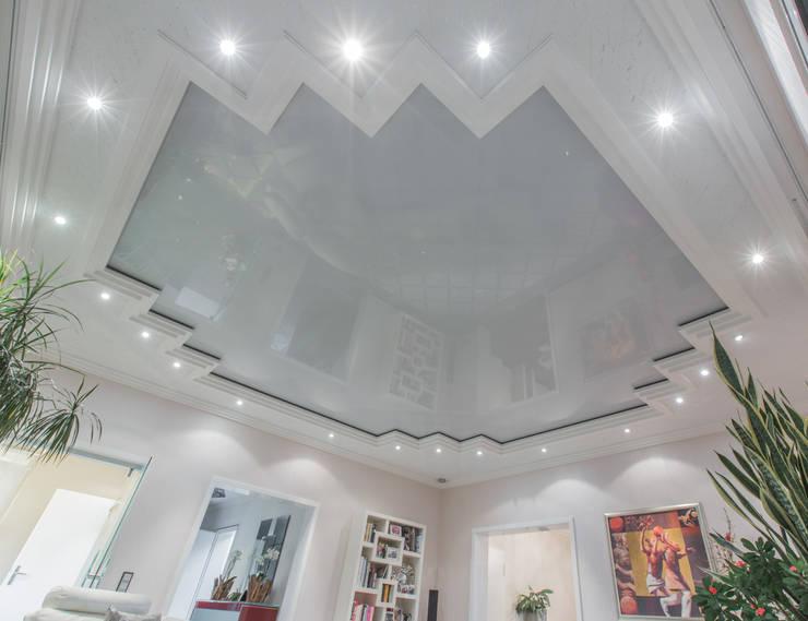 Spanndecke glänzend:  Wohnzimmer von Kunstwerkstätten Malerbetrieb Kelleter GmbH,Klassisch