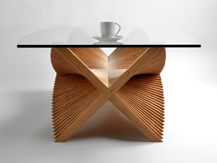 Beating Wings Coffee Table:  Living room by David Tragen