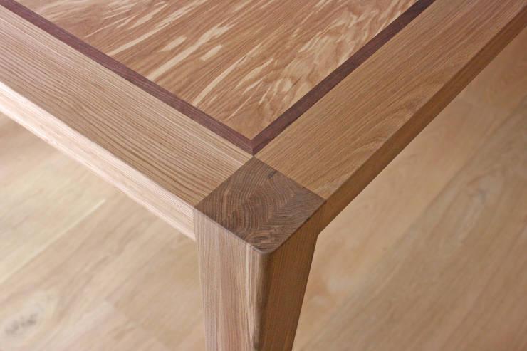 Mandorla Dining Table:  Dining room by David Tragen