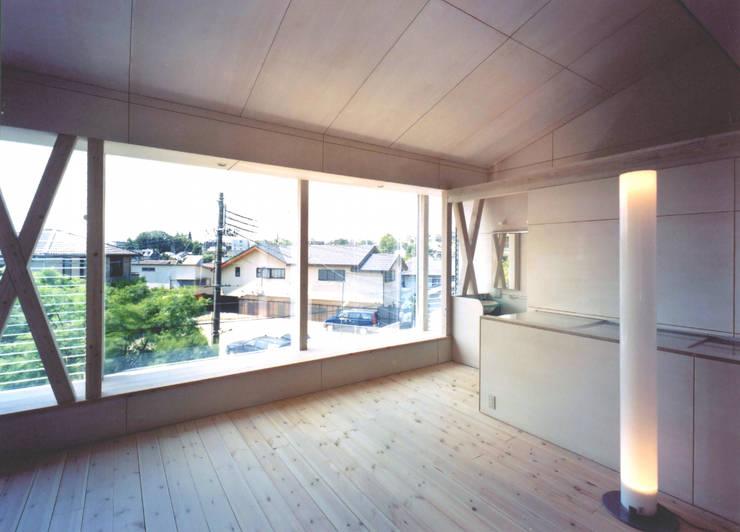 K&K-HOUSE リビングダイニング: M4建築設計室が手掛けたリビングです。
