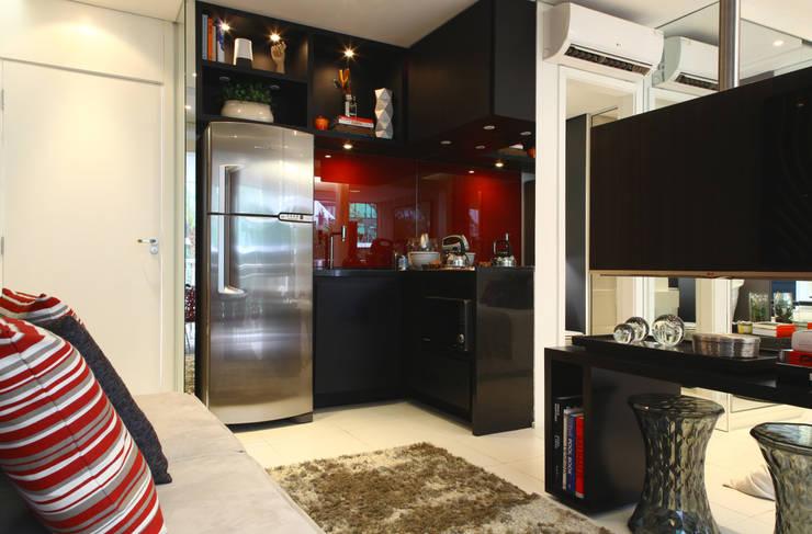 Cozinhas  por Chris Silveira & Arquitetos Associados