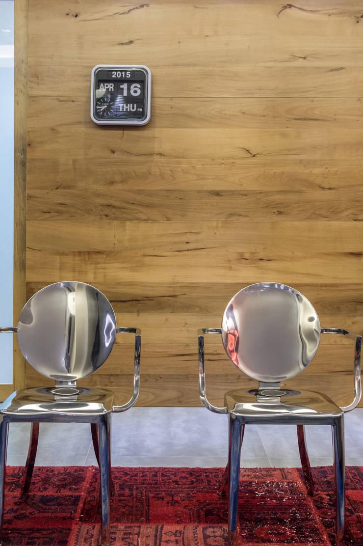 Projeto 17 – Residência clean: Salas de estar  por GREISSE PANAZZOLO ARQUITETURA