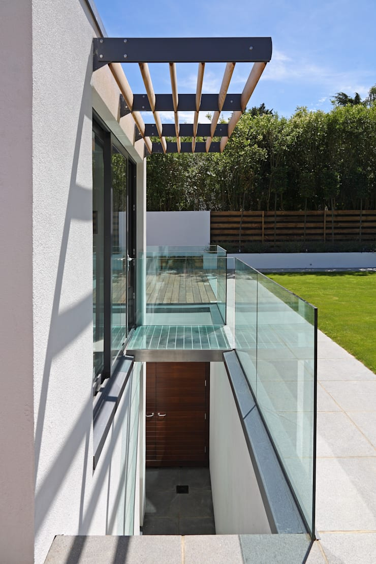 Greystones:  Terrace by Nicolas Tye Architects