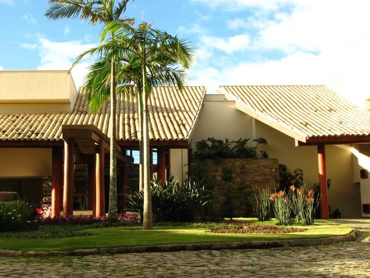 Maisons modernes par Mascarenhas Arquitetos Associados Moderne