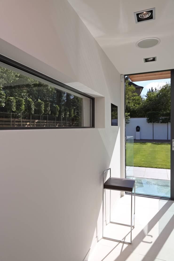 Greystones:  Kitchen by Nicolas Tye Architects