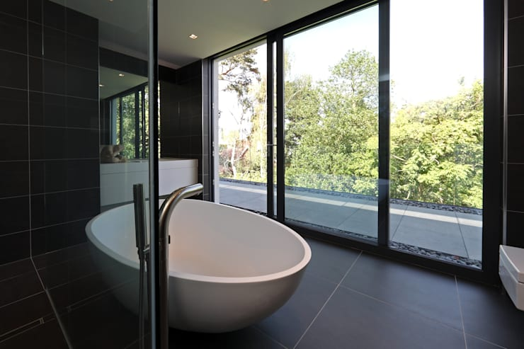 modern Bathroom by Nicolas Tye Architects