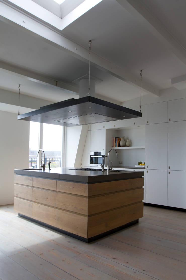 Keukens:   door Proest Interior, Minimalistisch