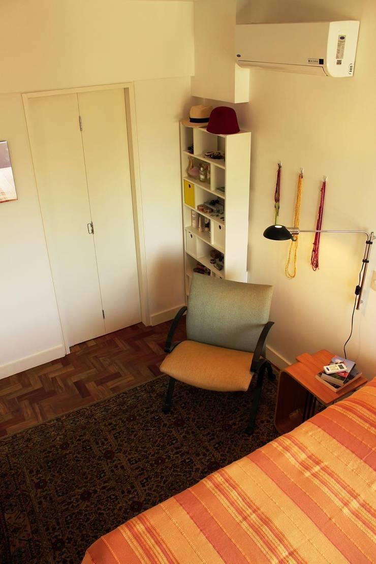 Apartamento em Pinheiros: Quartos  por Mínima arquitetura e urbanismo