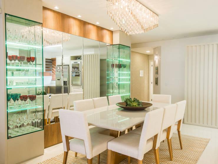 JANTAR: Salas de jantar ecléticas por Élcio Bianchini Projetos