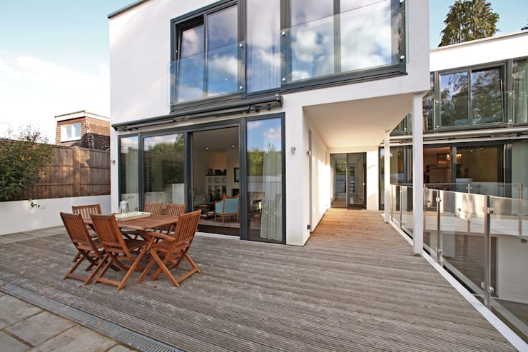 Radlett house:  Terrace by Nicolas Tye Architects