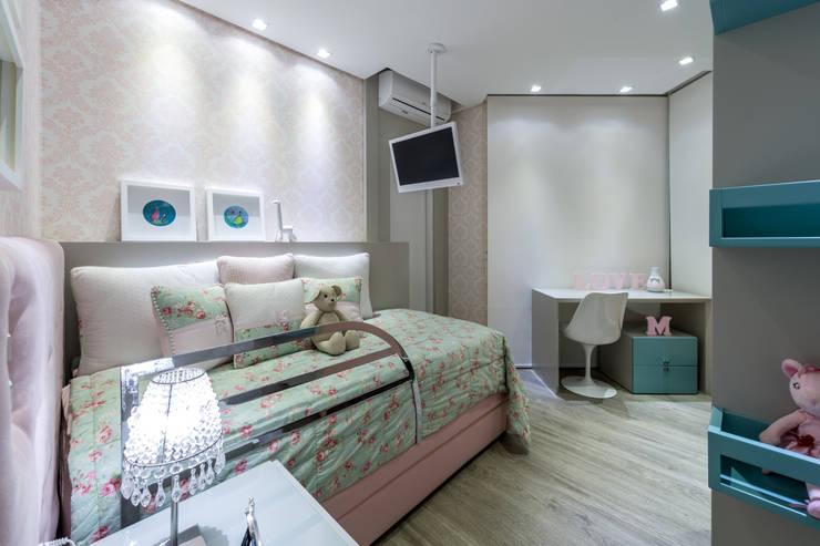 Projeto 17 - Residência clean: Quarto infantil  por GREISSE PANAZZOLO ARQUITETURA