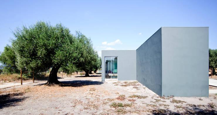 Casa em Liteiros: Casas  por Phyd Arquitectura