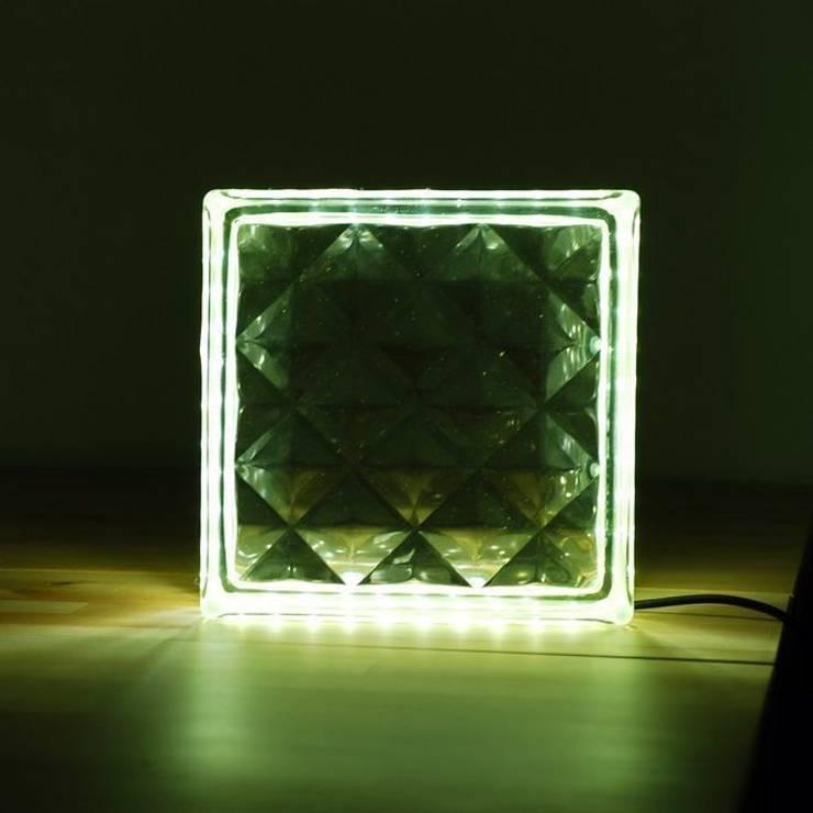 LAMPBADA DESIGN LAMP – Squarebricklamp, Tasarım, Cam Gece Masa Lambası:  tarz İç Dekorasyon