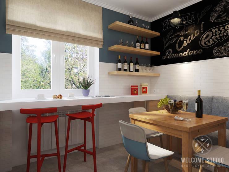Двухкомнатная квартира в Москве «Голубая дымка»: Кухни в . Автор – Мастерская дизайна Welcome Studio,