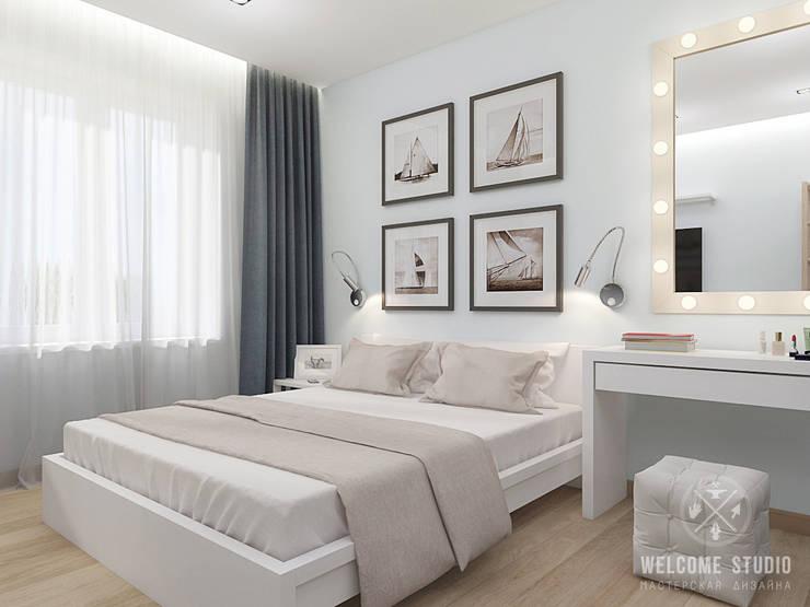 Двухкомнатная квартира в Москве «Голубая дымка»: Спальни в . Автор – Мастерская дизайна Welcome Studio,