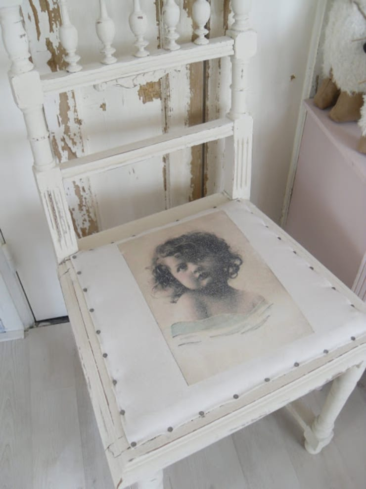 lief klein stoeltje:  Kleedkamer door gustaviaans vintage homestyle