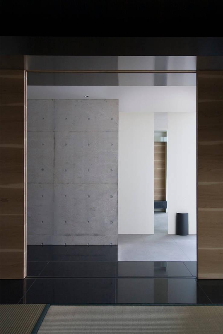 BUF: エスプレックス ESPREXが手掛けた廊下 & 玄関です。,モダン