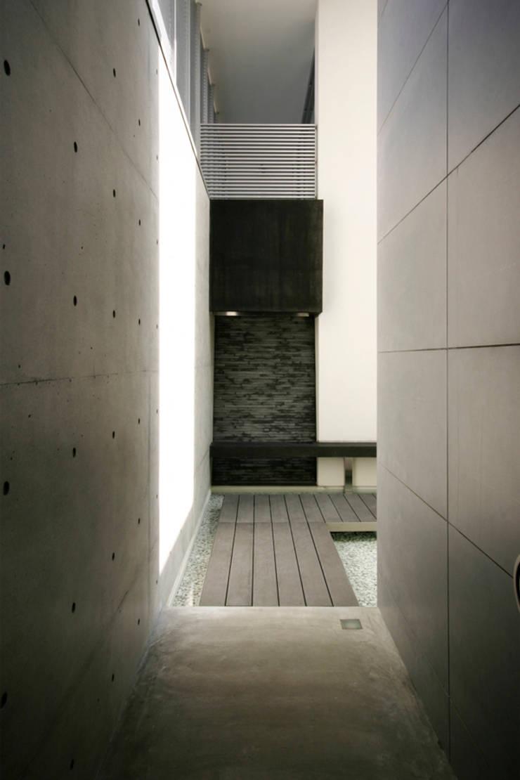 Modern style balcony, porch & terrace by エスプレックス ESPREX Modern