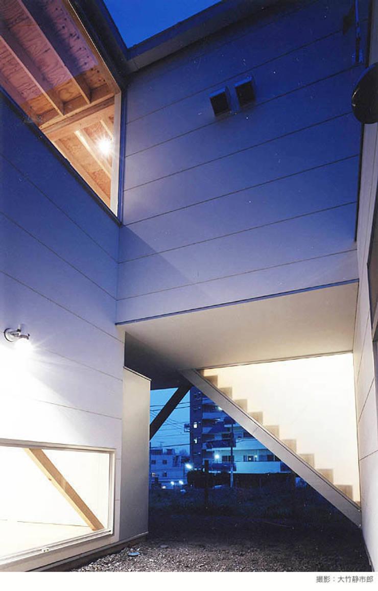 white snake: 瀧浩明建築計画事務所/studio blankが手掛けた家です。