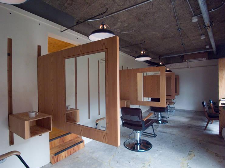 maWaRu: 一級建築士事務所ageha.が手掛けたオフィススペース&店です。