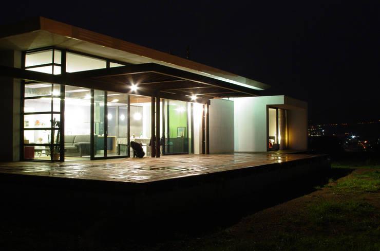 Il terrazzo: Case in stile  di Studio 4,