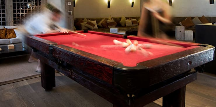 Multimedia room by Luxury Pool Tables Limited