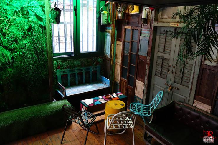 Sala Bizz'art. Local de copas en Murcia.: Locales gastronómicos de estilo  de Francisco Segarra