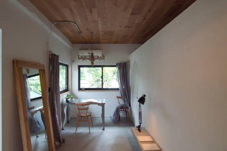 passage: 一級建築士事務所ageha.が手掛けた和室です。,ラスティック