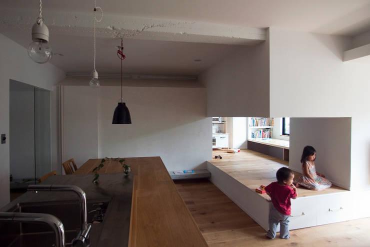 passage: 一級建築士事務所ageha.が手掛けた子供部屋です。,モダン