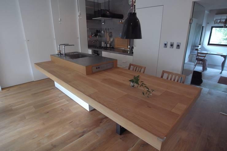 passage: 一級建築士事務所ageha.が手掛けたキッチンです。,オリジナル