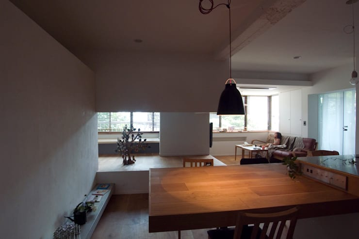 passage: 一級建築士事務所ageha.が手掛けたリビングです。,ラスティック