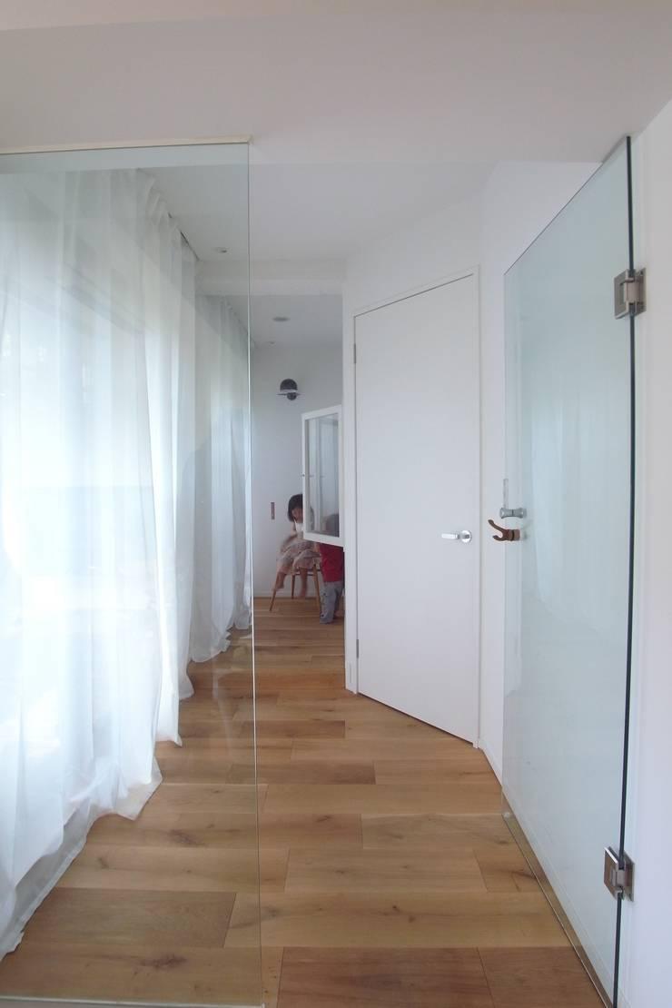 passage: 一級建築士事務所ageha.が手掛けた廊下 & 玄関です。,ミニマル
