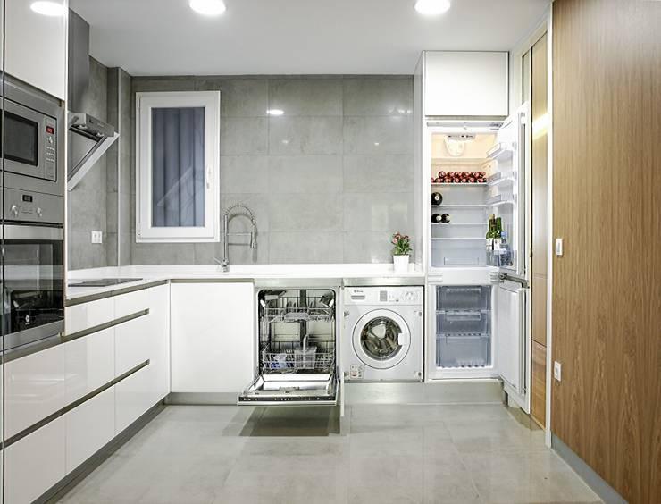 Cocina: Cocinas de estilo moderno de DonateCaballero Arquitectos