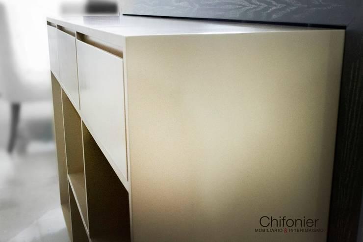 Detalle Bar: Comedores de estilo  por Chiffonnier