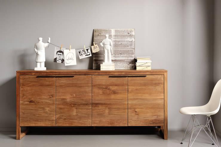 Credenza de Teca: Hogar de estilo  por bolighus design
