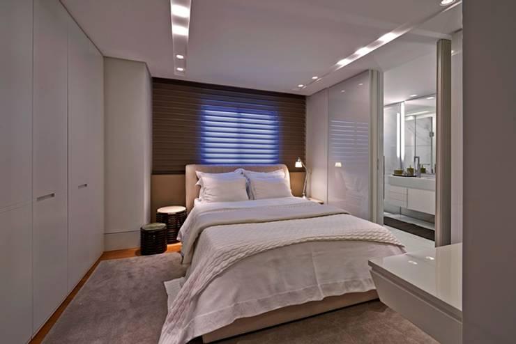 Residência A&S: Quartos  por Alessandra Contigli Arquitetura e Interiores,Moderno