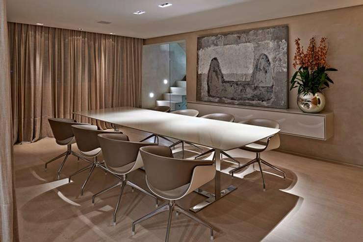 Residência A&S: Salas de jantar  por Alessandra Contigli Arquitetura e Interiores