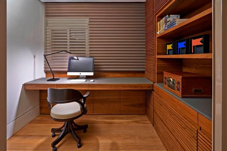 Residência A&S: Escritórios  por Alessandra Contigli Arquitetura e Interiores