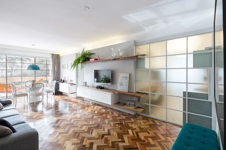 Living room by Semerene - Arquitetura Interior
