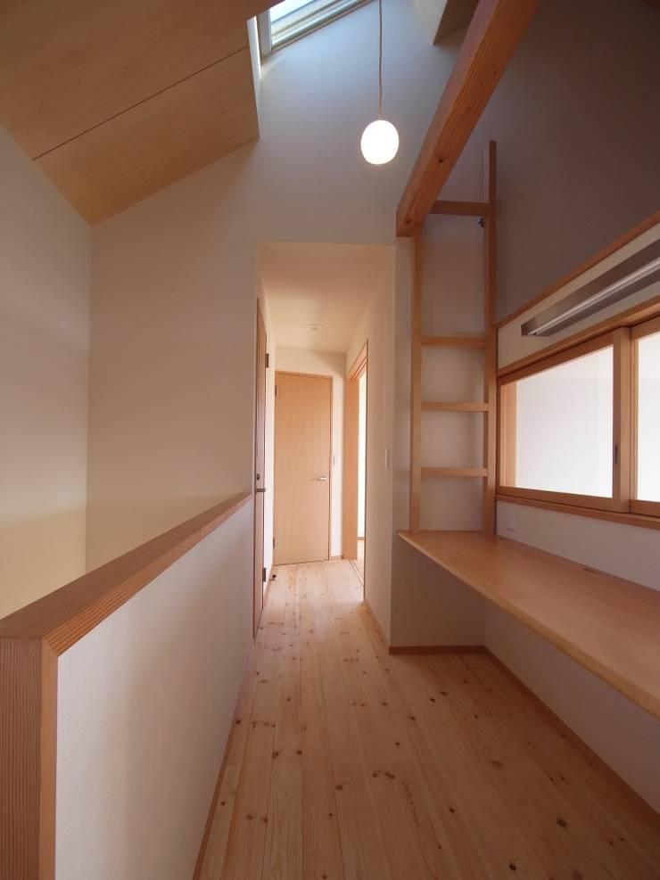 南鎌ヶ谷の家: 麻生英之建築設計事務所が手掛けた和室です。,